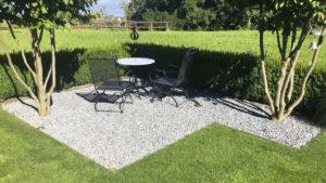 Gartensitzplatz mit Kiesstein